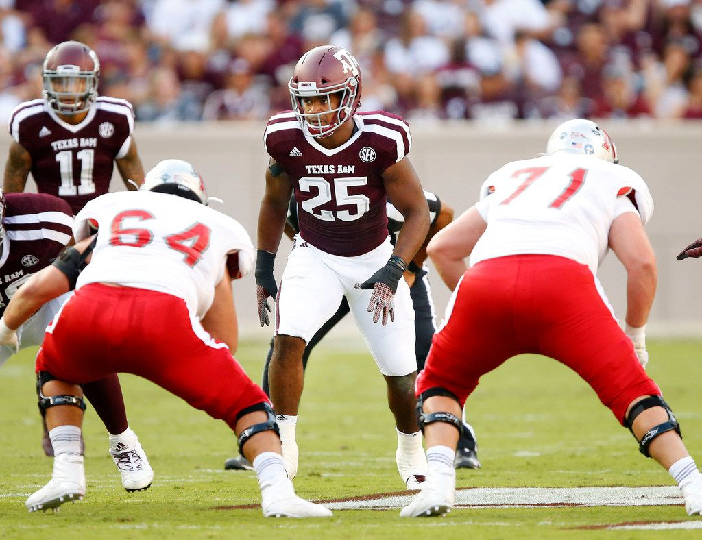 Texas A&M Aggies linebacker Tyrel Dodson (25) lines up against the Nicholls State Colonels offense in the first at Kyle Field in College Station, Texas, Saturday, September 9, 2017. (Tom Fox/The Dallas Morning News)
