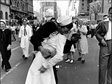 Greta Friedman was kissed by a sailor in Times Square on Aug. 14, 1945, in this iconic photo that came to symbolize the country's jubilation about the end of World War II. (Alfred Eisenstaedt/Time & Life Pictures/Getty Images)