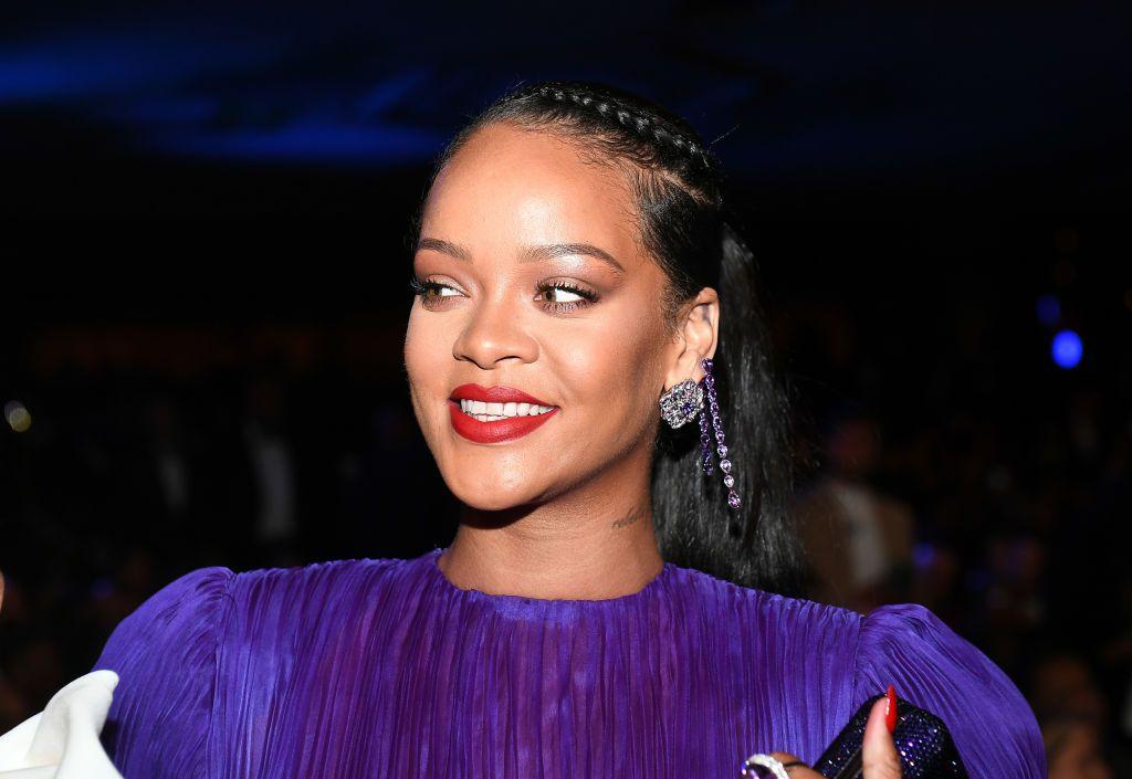 Rihanna apareció en la portada de Vogue de Gran Bretaña con un durag.