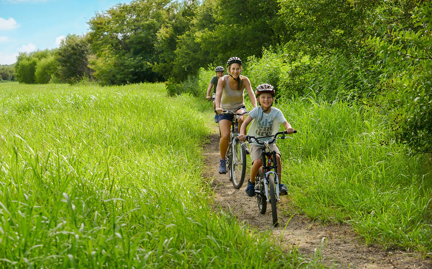 Windsong Ranch offers an array of outdoor amenities for residents of all ages.