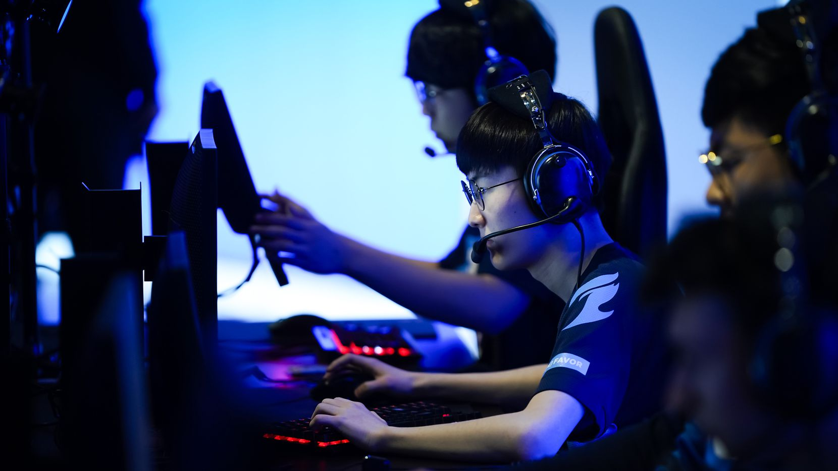 """Jang """"Decay"""" Gui-un of the Dallas Fuel prepares for the start of a Overwatch League match against the Los Angeles Valiant at the Arlington Esports Stadium on Saturday, Feb. 8, 2020, in Arlington."""