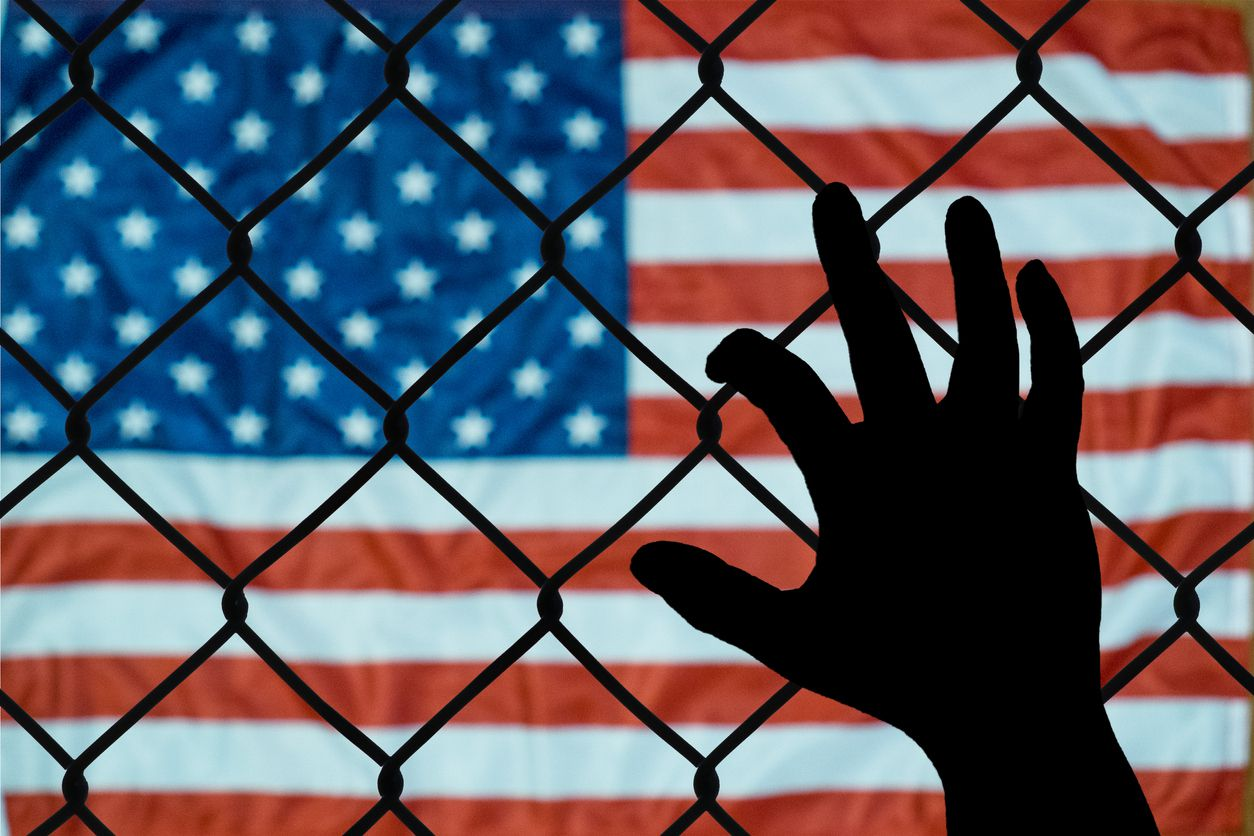 Una persona en custodia en Estados Unidos.