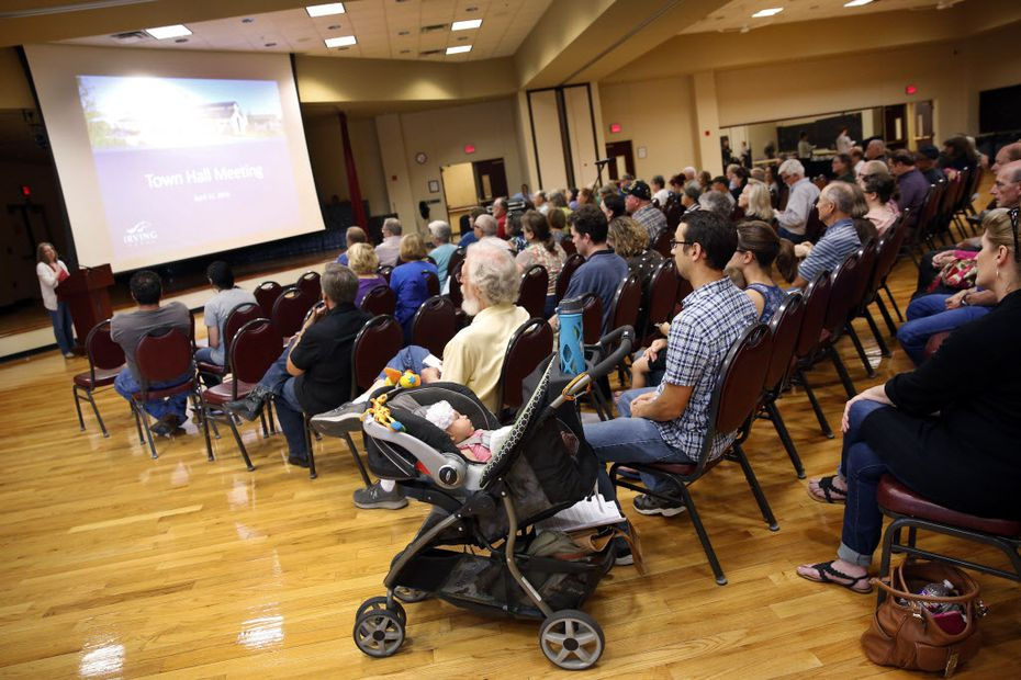 About 150 people turned out for the first of two city meetings. (Tom Fox/The Dallas Morning News)