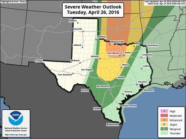 Mapa del sistema de lluvias  que llegaría al norte de Texas pronosticado para el martes.