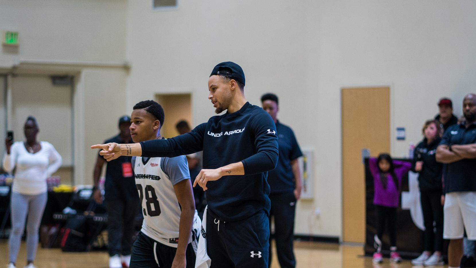 Stephen Curry's Underrated Tour will host a regional showcase for high school boys and girls basketball players in Dallas from March 7-8.