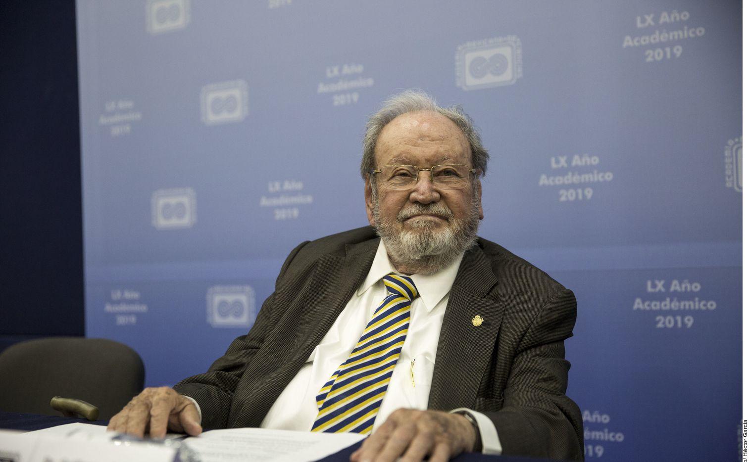 En su gestión al frente de la UNAM Guillermo Soberón Acevedo fue criticado en 1977 porque permitió la entrada de la policía a CU para detener a sindicalistas y romper una huelga.