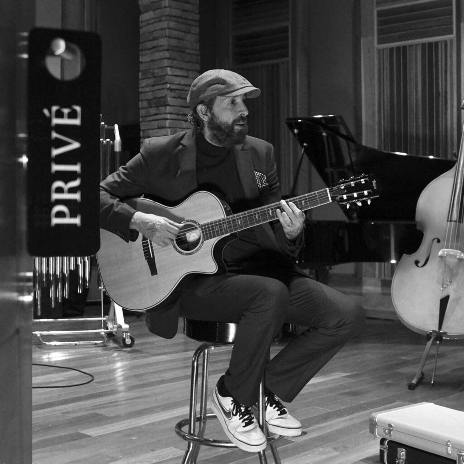 """En esta imagen difundida por Universal Music Latin, la portada del nuevo EP de Juan Luis Guerra, """"Privé""""."""