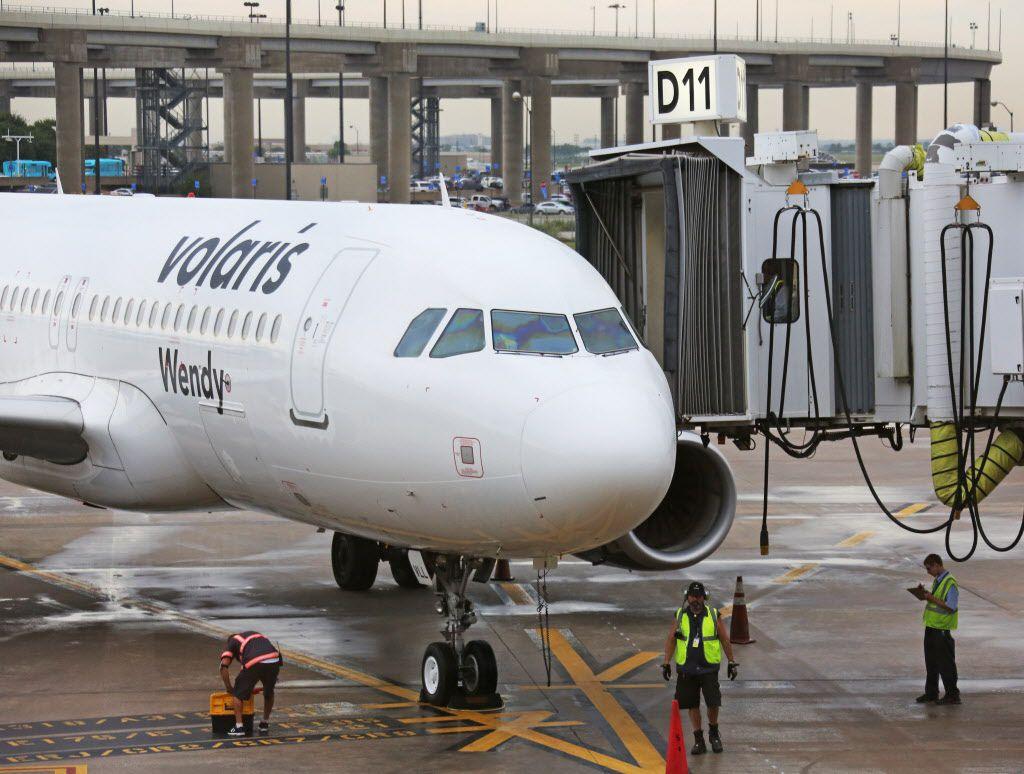 Volaris planea aumentar número de vuelos a Dallas, Houston y San Antonio.