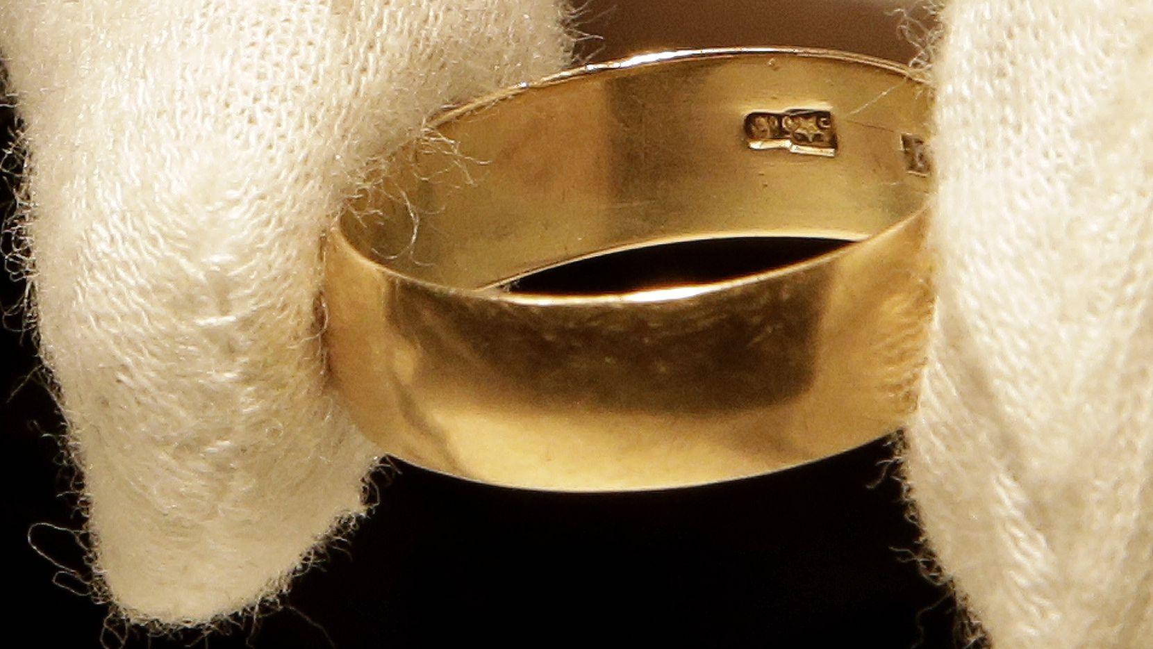 Foto de archivo de un anillo de bodas. La alcaldesa de Naucalpan, Estado de México, se casó en una ceremonia masiva el fin de semana en Cuernavaca.