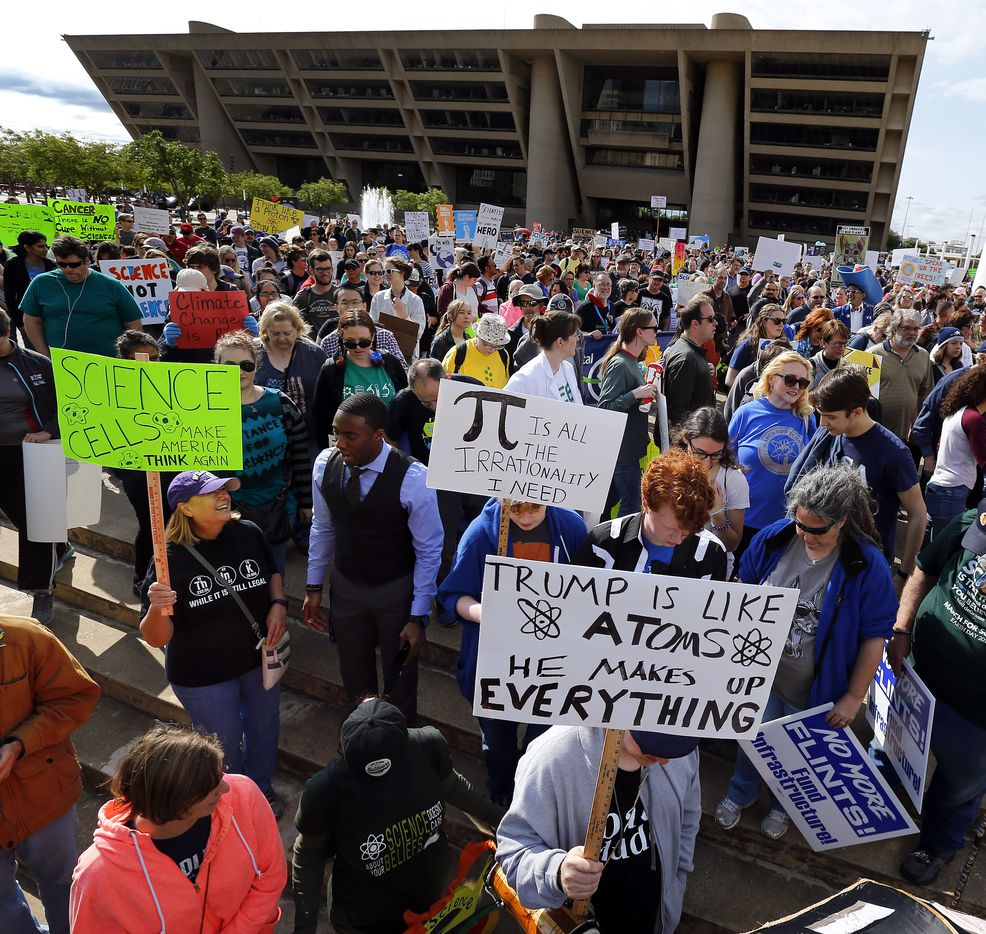 March For Science rally and march kicked off at Dallas City Hall as they make their way to Fair Park's Earth Day celebration, Saturday, April 22, 2017. (Tom Fox/The Dallas Morning News)