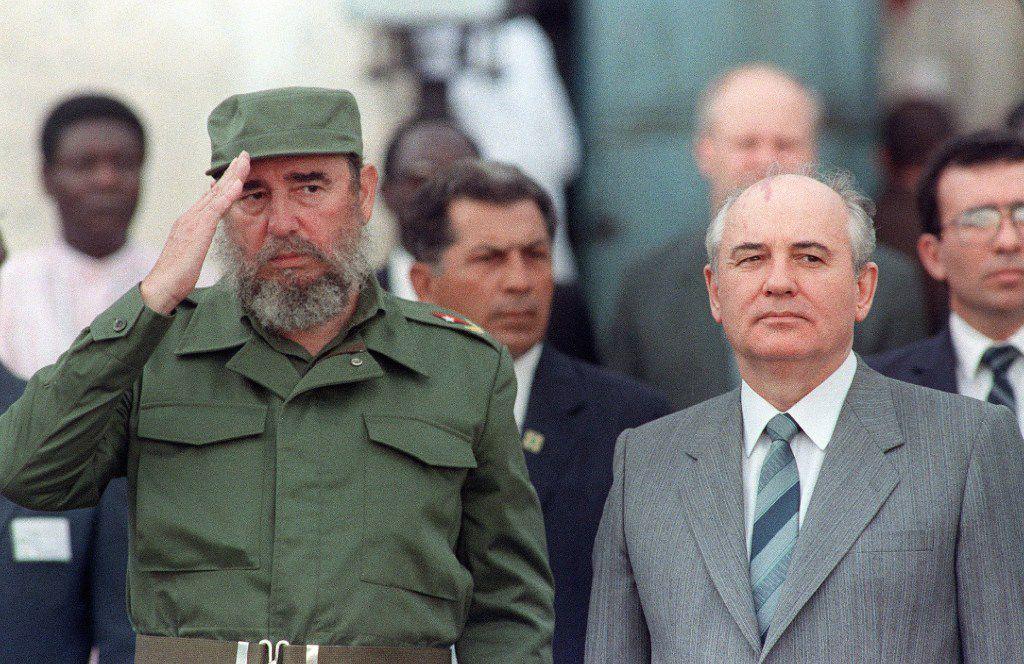 Fidel Castro welcomed Soviet leader Mikhail Gorbachev to Cuba in April 1989.
