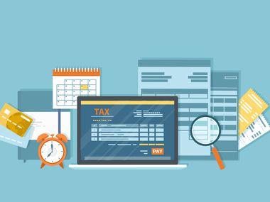 Hay varias opciones para declarar impuestos en línea sin costo siempre y cuando reúna ciertos requisitos. También existen los Community Tax Centers.