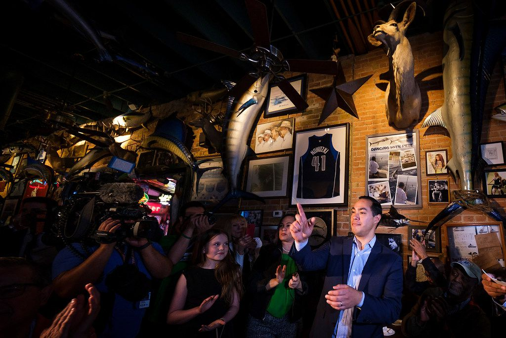 Presidential candidate Julian Castro acknowledges the hosts for a campaign event at St. Pete's Dancing Marlin in Deep Ellum on Tuesday, March 19, 2019, in Dallas. The former San Antonio Mayor met with Democrats  in Dallas on Tuesday after campaigning for the Democratic Party nomination in New Hampshire on Monday.