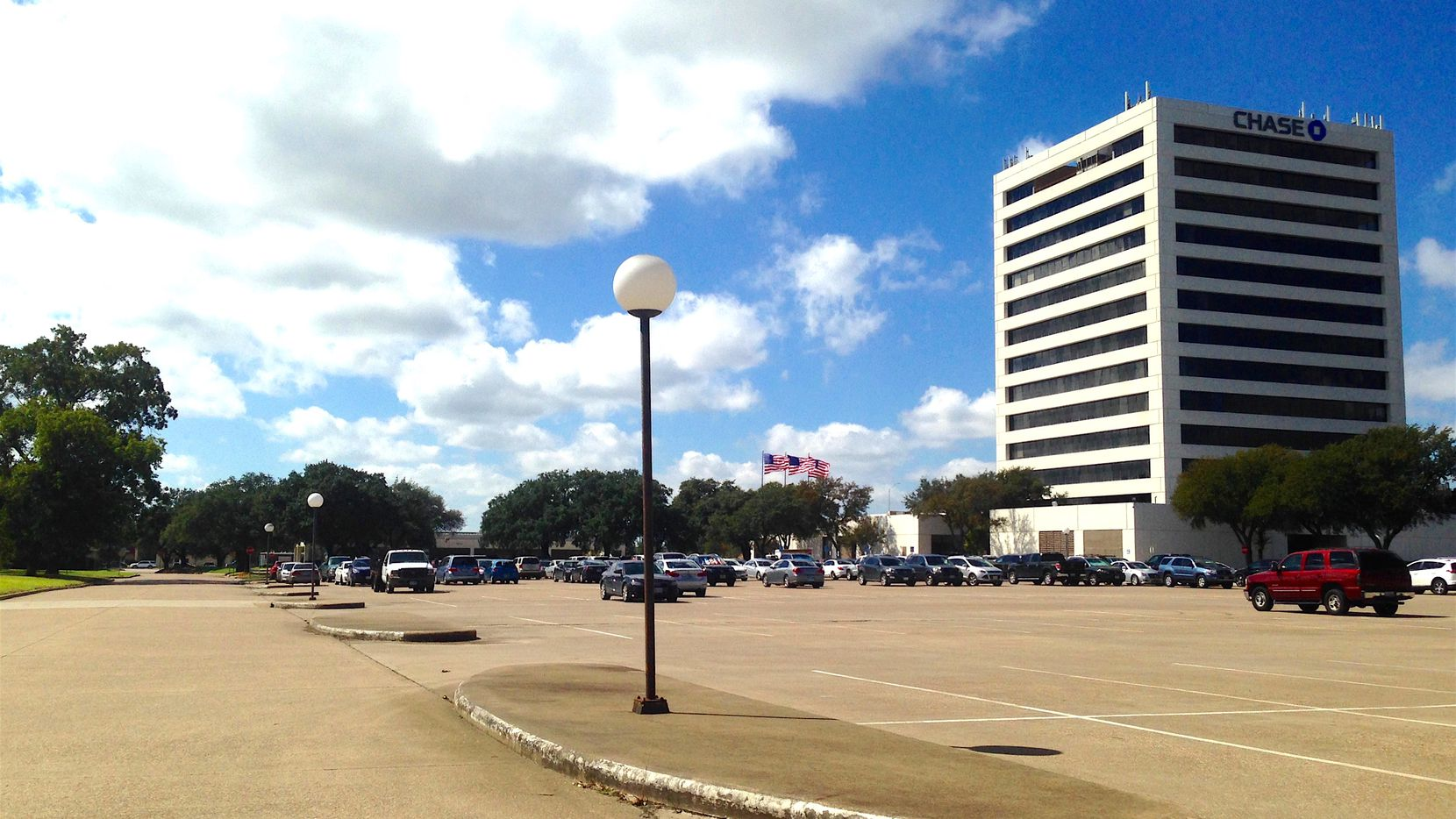 The planned Town Central development would surround the Chase Bank building on Main Street in Richardson.