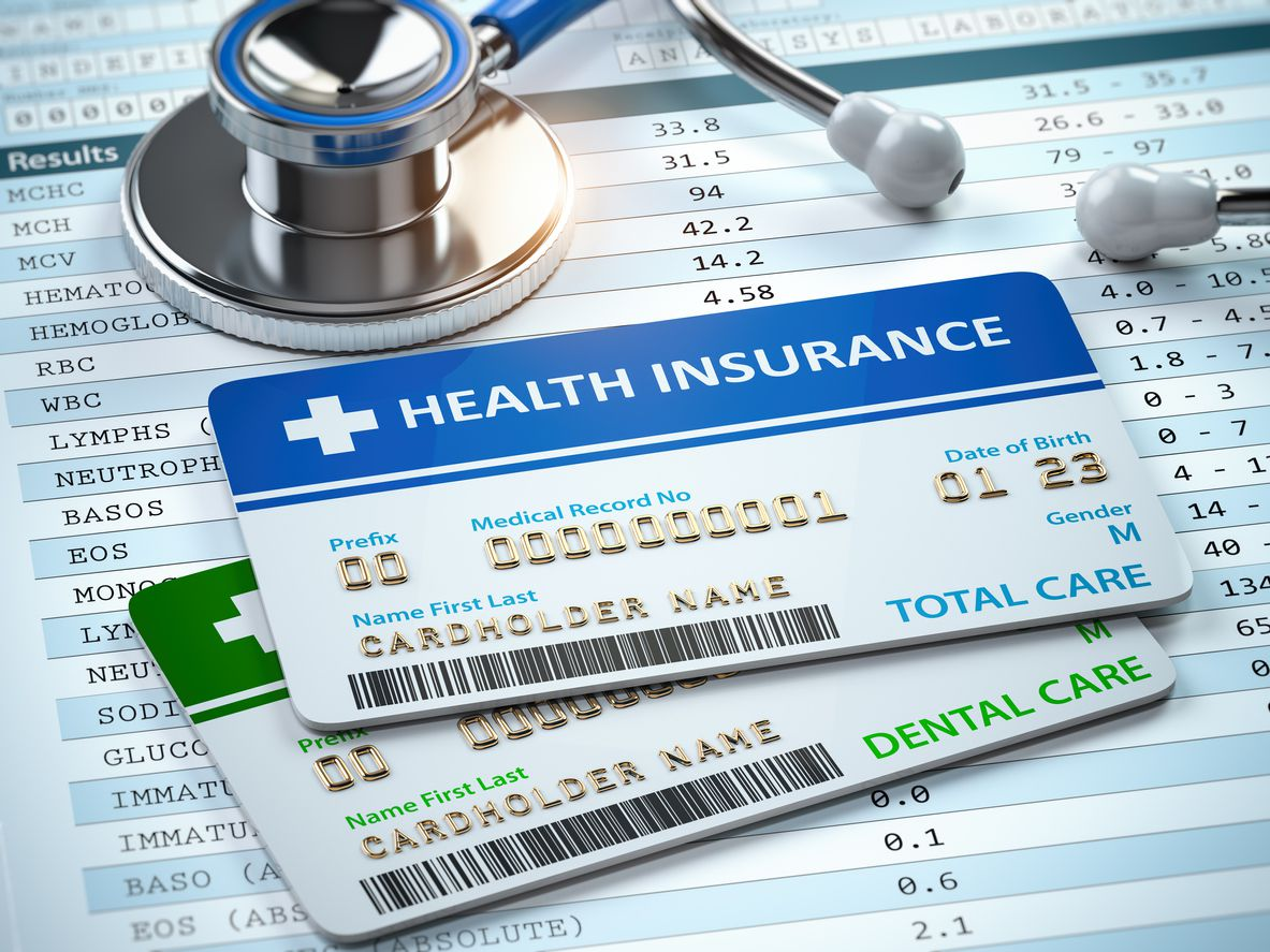 Tarjetas de acceso a pólizas de seguro médico en Estados Unidos.