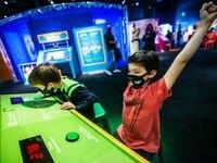 """En el museo Perot, los niños y adultos pueden participar en las actividades dentro la exhibición """"The Science of Guinness World Records""""."""