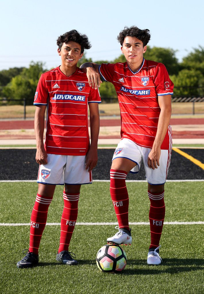 FC Dallas Academy players Johan Gomez (right), 17, and his brother Jonathan Gomez, 14, pose for a photograph at Fort Worth Christian School in North Richland Hills, Texas on Wednesday, Aug. 1, 2018. (Rose Baca/The Dallas Morning News)