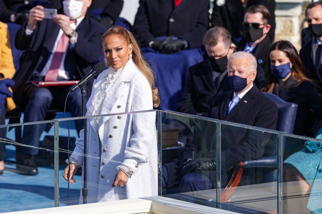 Jennifer López en la ceremonia de toma de protesta de Joe Biden y Kamala Harris el 20 de enero de 2021 en Washington, D.C.