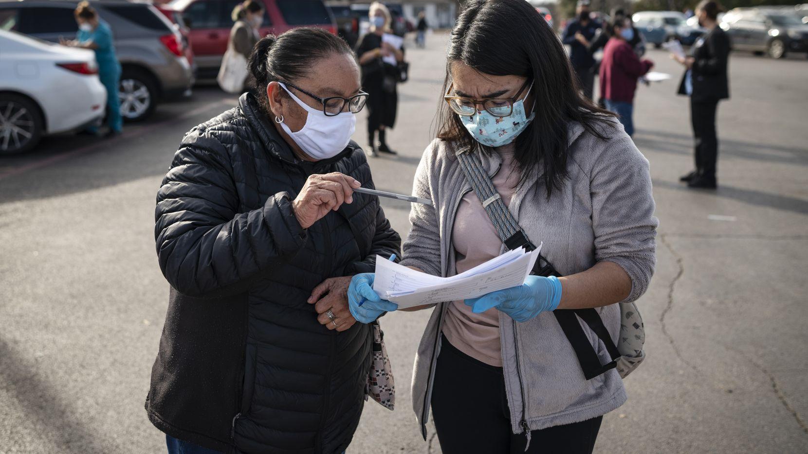 Vaccinate Don't Wait, una organización sin fines de lucro de Dallas, tendrá jornadas en persona de registro para la vacuna contra covid-19 en El Rancho Supermercado y Savers Cost Plus en los próximos días.