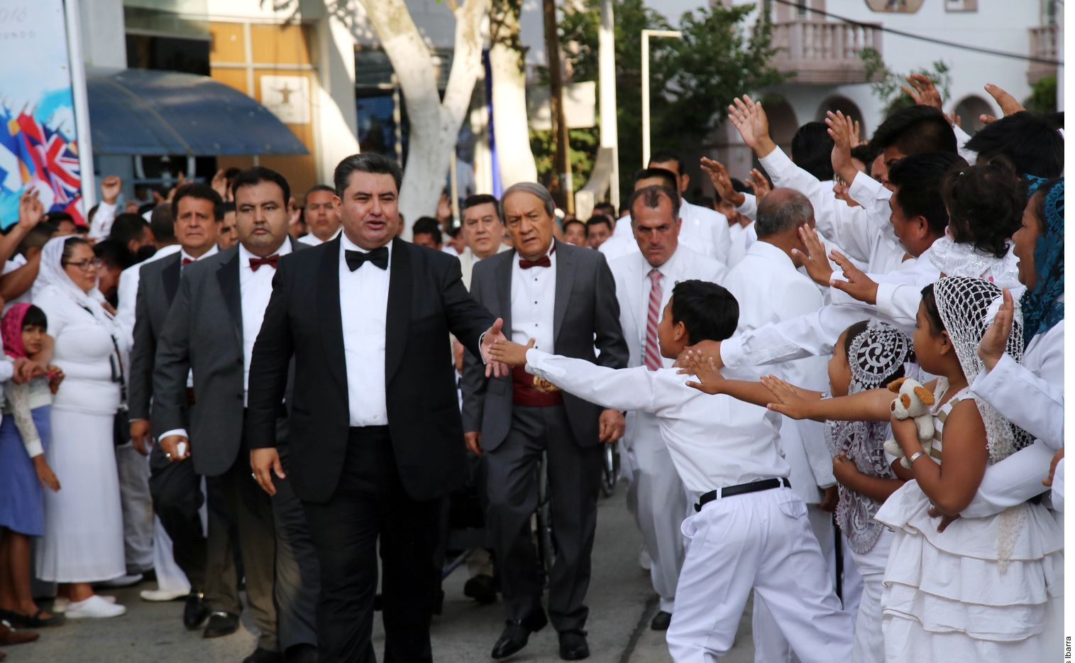 Naasón Joaquín García, el líder de la Iglesia La Luz del Mundo, fue detenido por caso de tráfico sexual en EU, informó Fiscalía de California.