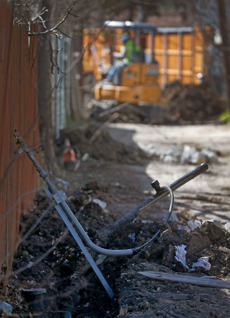 Old steel gas lines were replaced in an alley between Espanola and Fontana drives in northwest Dallas earlier this year as part of a large system replacement by Atmos Energy that affected 2,800 homes.