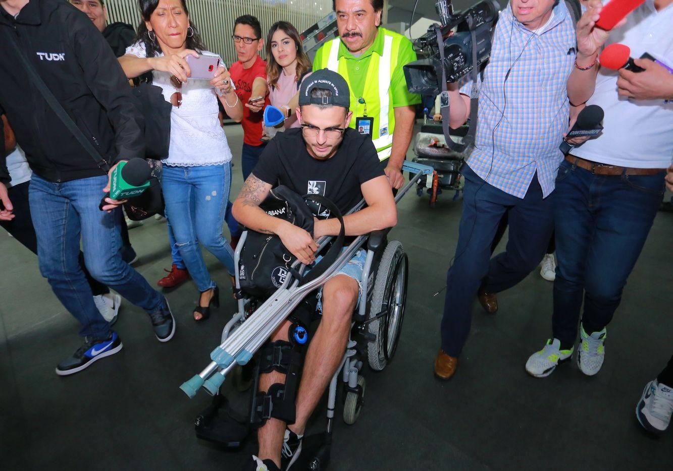 El jugador colombiano de las Águilas del América, Nicolás Benedetti, arribó a la ciudad de México para ser operado de la lesión en su rodilla derecha.