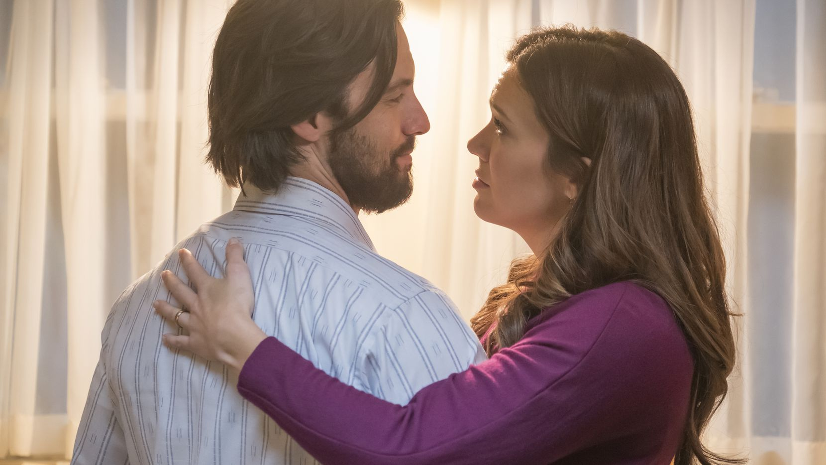 "THIS IS US -- ""The Most Disappointed Man in the World"" Episode 207 -- Pictured: (l-r) Milo Ventimiglia as Jack, Mandy Moore as Rebecca -- (Photo by: Ron Batzdorff/NBC)"