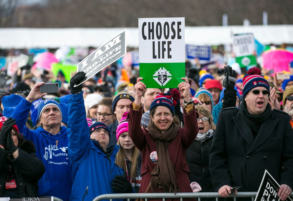 Opponents of abortion in the National Mall during the March for Life rally in Washington, Jan. 27, 2017. (Al Drago/The New York Times)