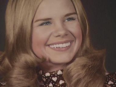 Carla Walker fue secuestrada y asesinada en febrero de 1974. Su cuerpo fue hallado días después cera de Benbrook Lake. La policía de Fort Worth parece haber dado finalmente con el asesino.
