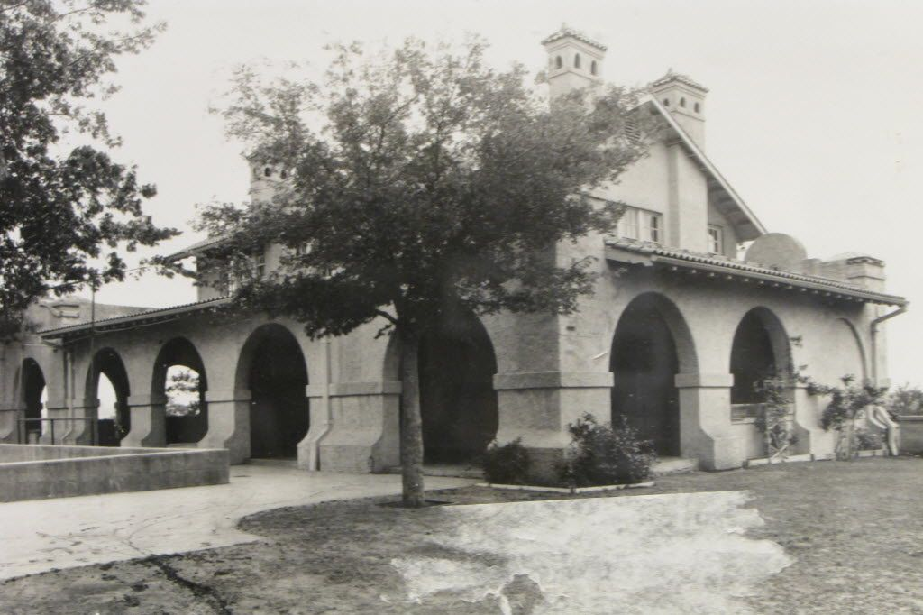 In this photo of the recreation center at Pike Park, the upper floor of the Spanish Colonial-style building can still be seen. It was later removed.