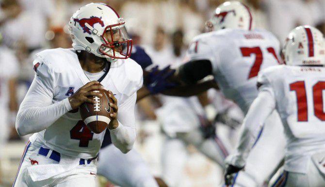 El quarterback Matt Davis y los Mustangs serán excluidos de la postemporada en esta campaña. (DMN/ROSE BACA)