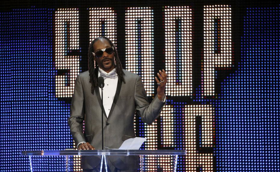 Celebrity inductee Snoop Dogg spoke during the WWE Hall of Fame event at Dallas' American Airlines Center in April 2016.