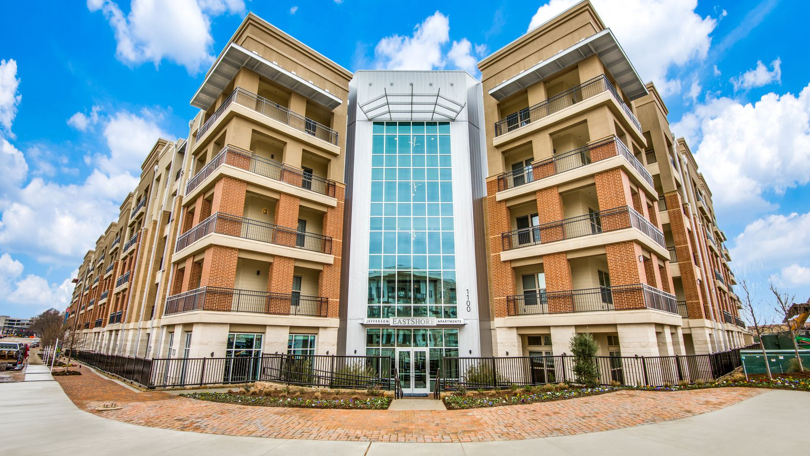The Jefferson Eastshore apartments in Las Colinas were included in the sale.