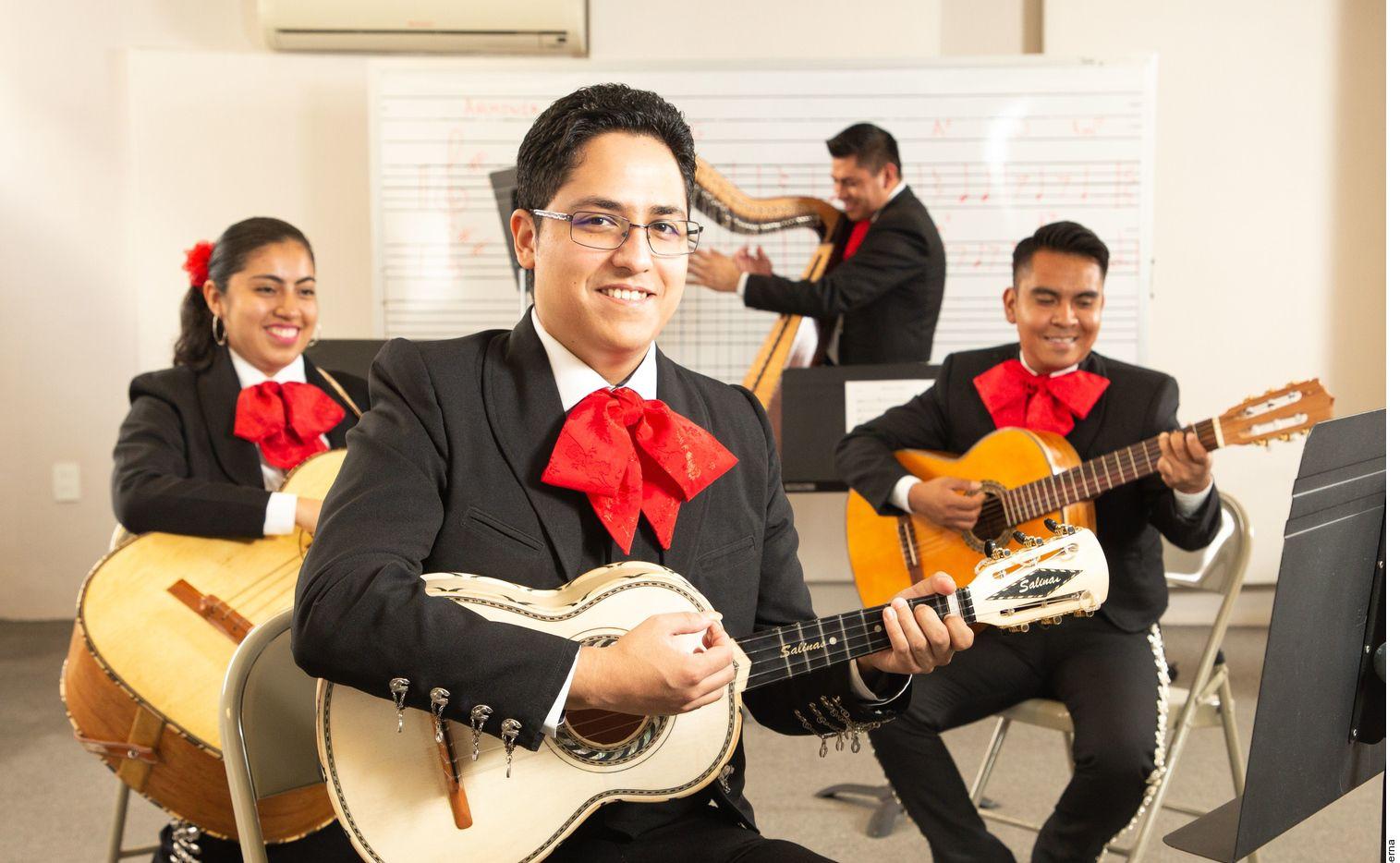 Este 10 de mayo gupos de mariachi de Garibaldi celebrarán a las mamás a través de serenatas virtuales.
