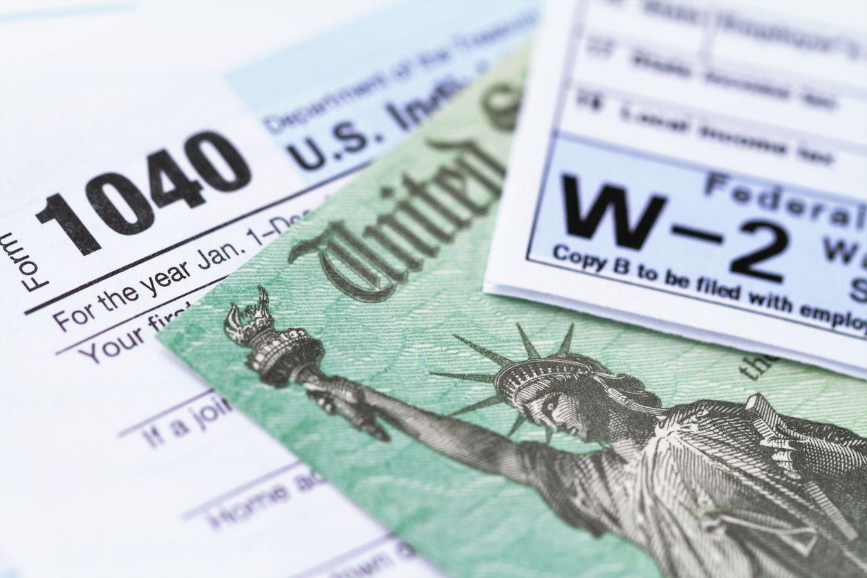 Formularios para declarar impuestos en Estados Unidos.