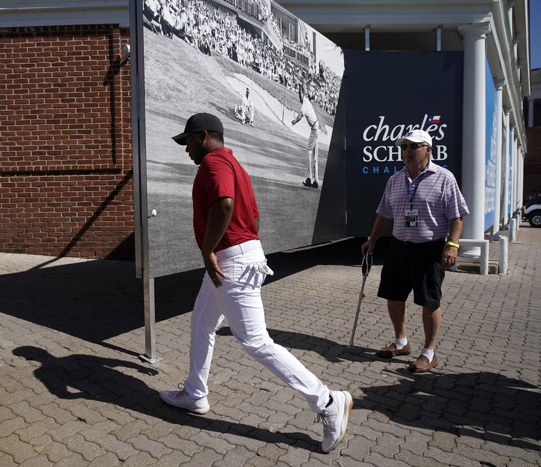 PGA Tour golfer Harold Varner III walks to the clubhouse with a tie for the lead after his opening round in the Charles Schwab Challenge at the Colonial Country Club in Fort Worth, Thursday, June 11, 2020.  The shot put him in a tie for the lead. The Challenge is the first tour event since the COVID-19 pandemic began. (Tom Fox/The Dallas Morning News)