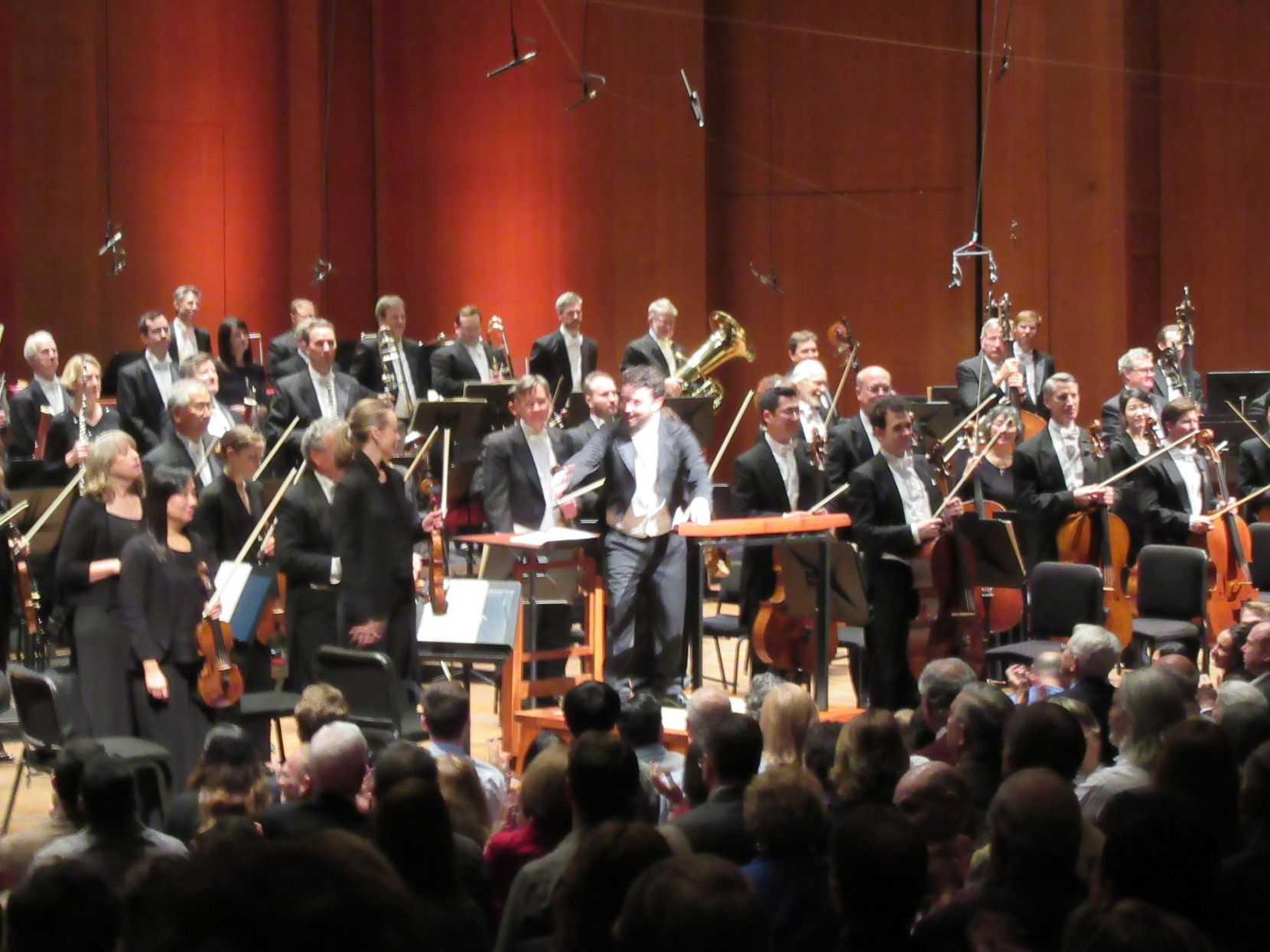 Guest conductor James Gaffigan acknowledges applause of the audience at a Houston Symphony concert Jan. 14, 2017 at Jones Hall in Houston.