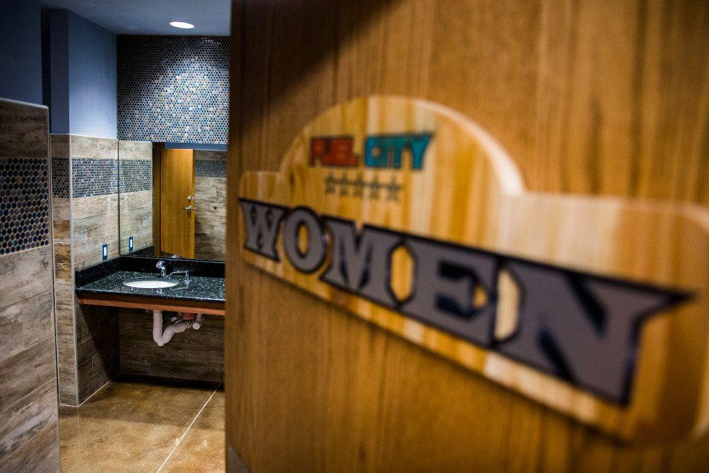 The women's bathroom at a new Fuel City location on Friday, December 16, 2016 on Haltom Road in Haltom City. (Ashley Landis/The Dallas Morning News)