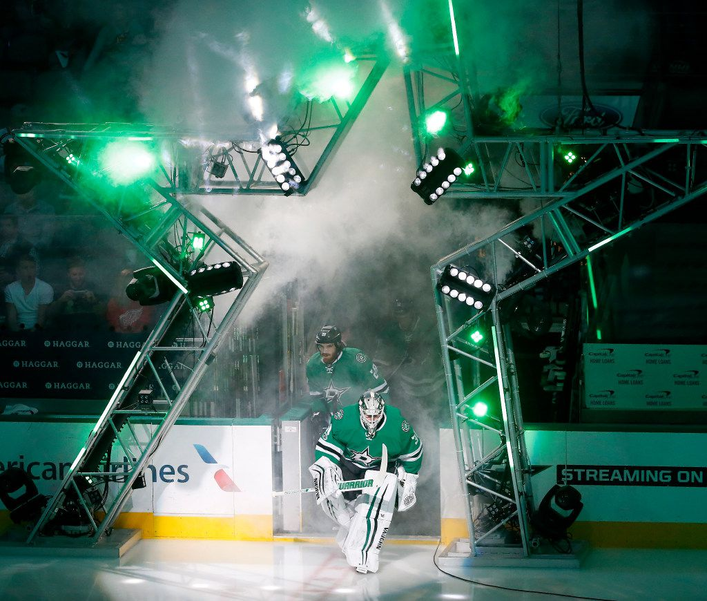 Dallas Stars players take the ice against Detroit Red Wings at American Airlines Center in Dallas, Thursday, Jan. 12, 2017. (Jae S. Lee/The Dallas Morning News)