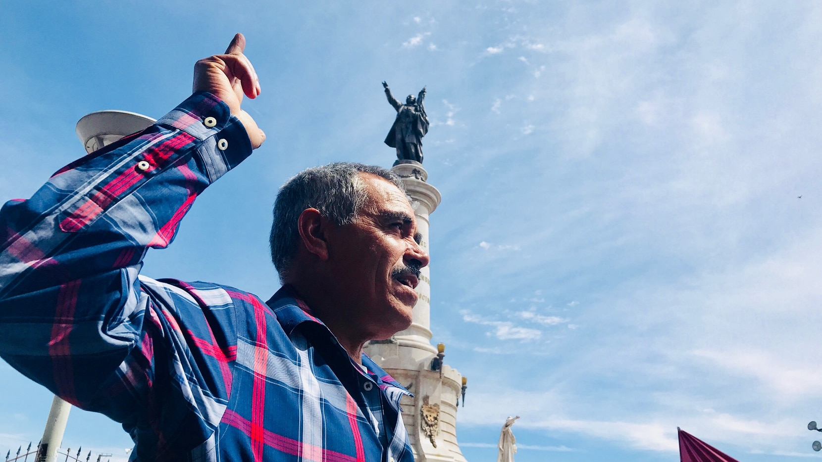 Leobado Nuñez stood up and greeted presidential frontrunner Andres Manuel Lopez Obrador, who kicked off his presidential run Easter Sunday in Ciudad Juarez.