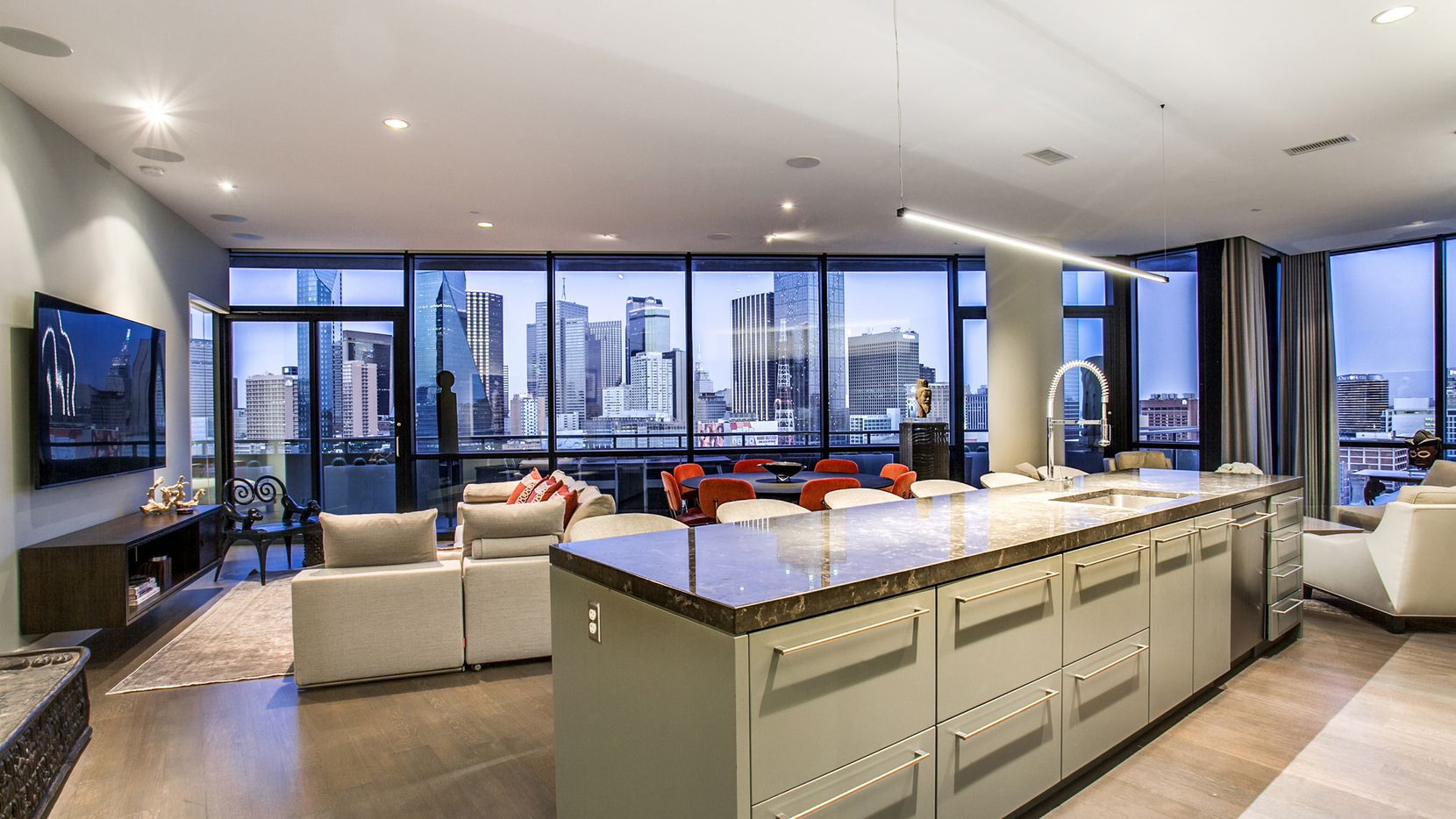 Views are always on the amenities list when you live in a Victory Park luxury high-rise.