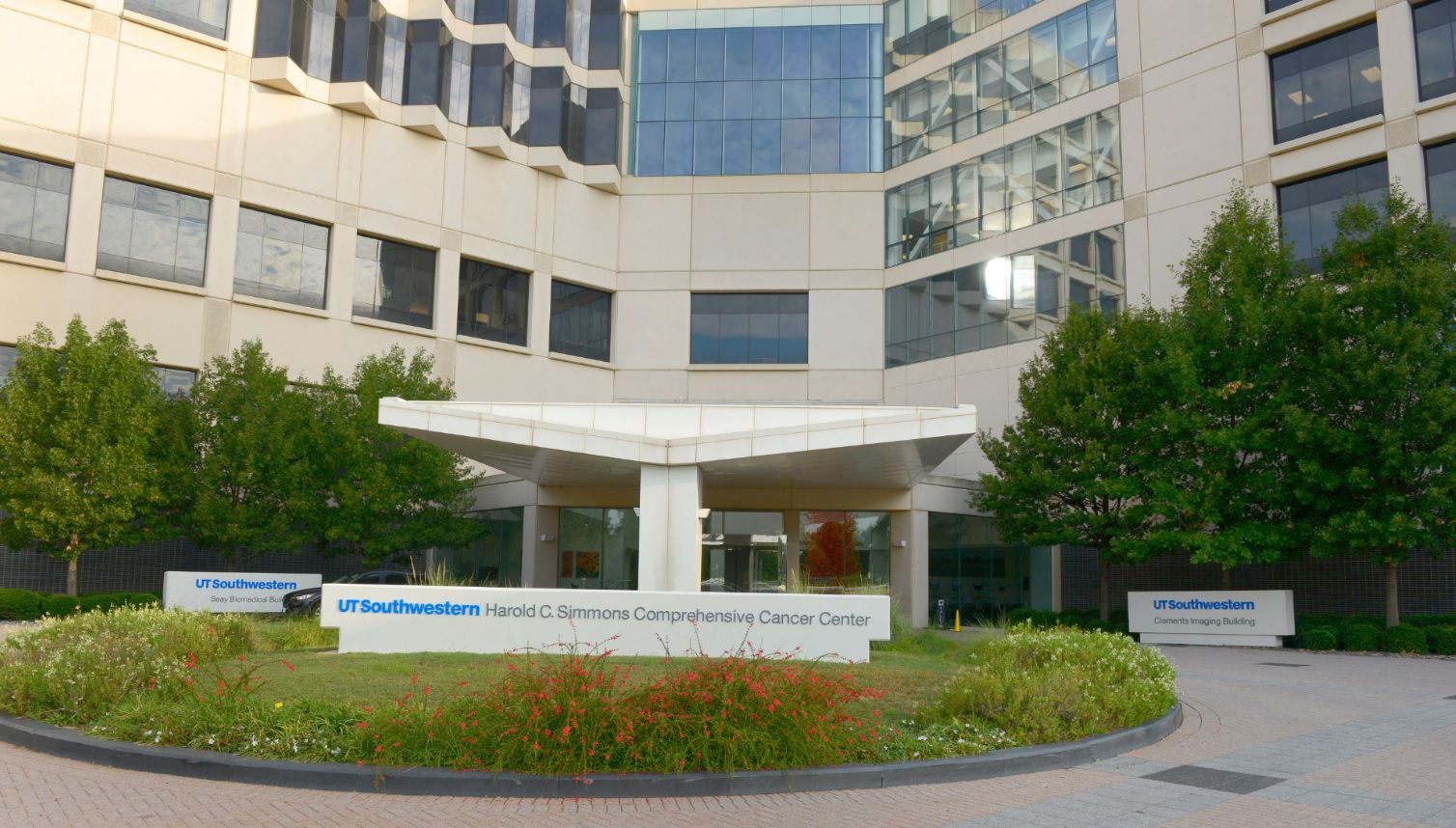 UT Southwestern's Harold C. Simmons Comprehensive Cancer Center