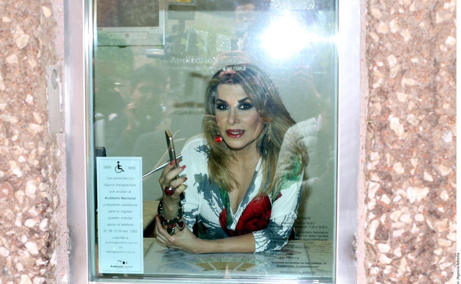 La cantante Dulce aseguró que existen dos hijos biológicos más de Juan Gabriel./ AGENCIA REFORMA