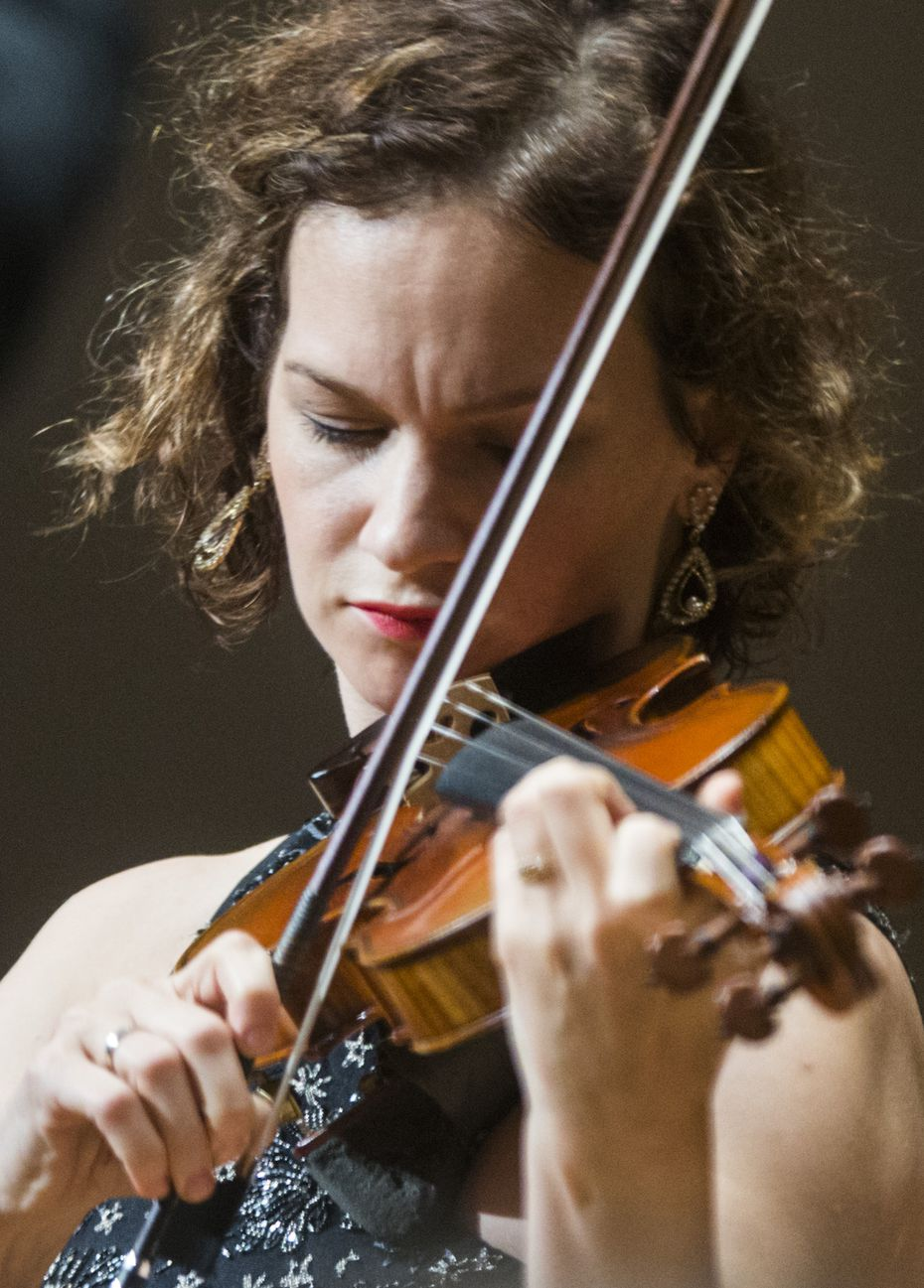 Hilary Hahn in concert with the DSO in 2017.