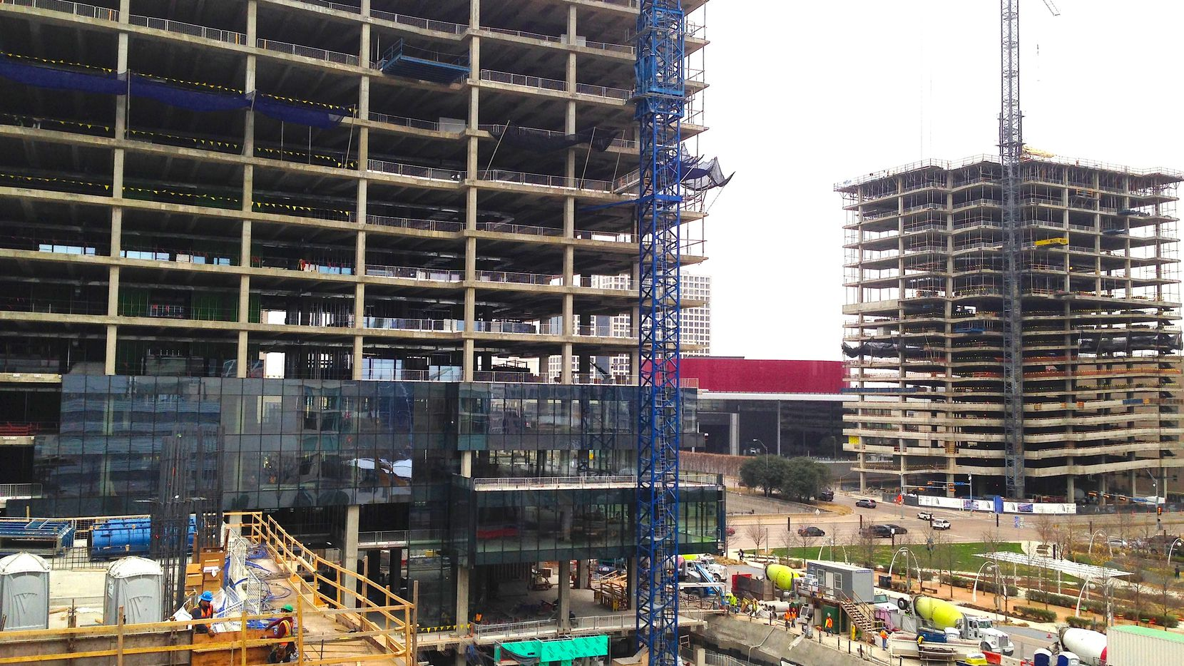 D-FW commercial building starts fell 29 percent in the first half of 2017.