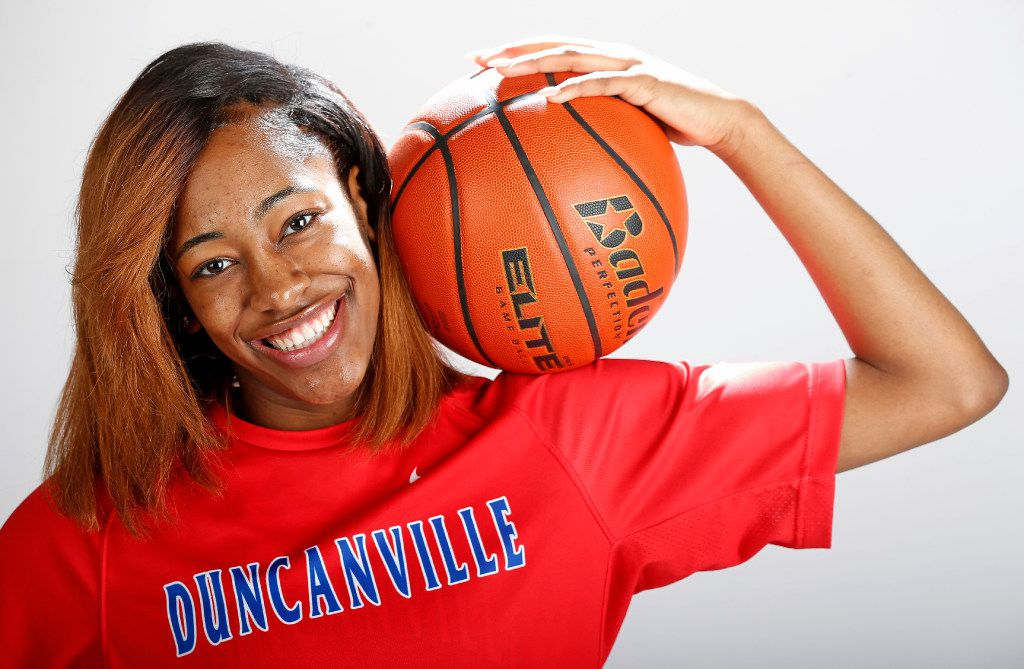 Duncanville junior Zarielle Green, the girls basketball player of the year, poses for a photograph in the Dallas Morning News studio in Dallas, Tuesday, March 14, 2017. (Jae S. Lee/The Dallas Morning News)