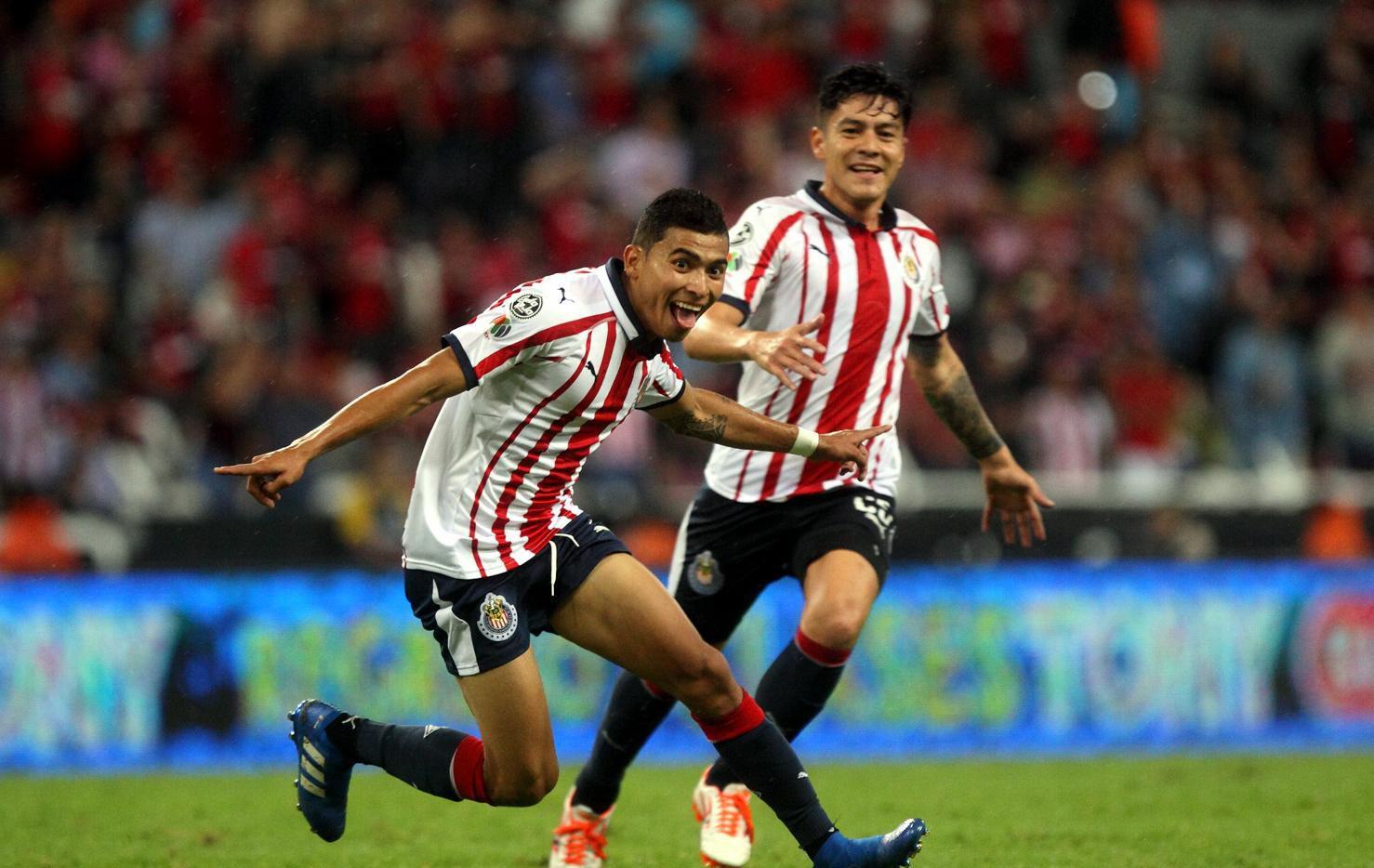 Chivas venció al FC Toronto de la Concacaf para avanzar al Mundial de Clubes.(AGENCIA REFORMA)