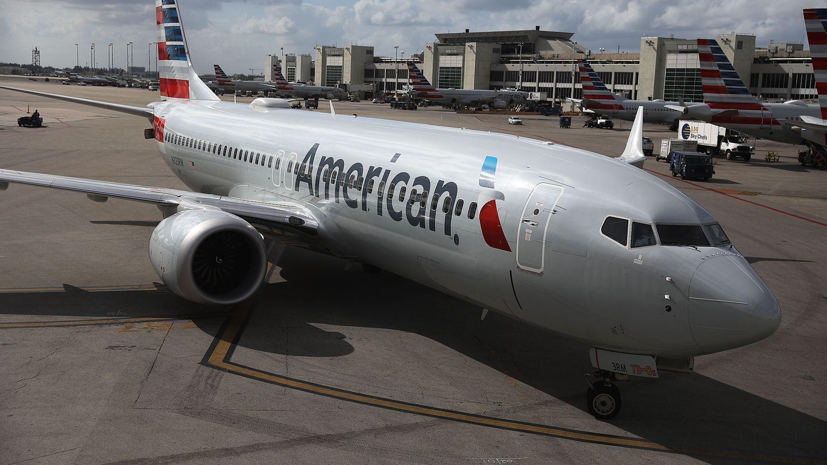 Una nave Boeing 737 Max de American Airlines en el Miami International Airport.