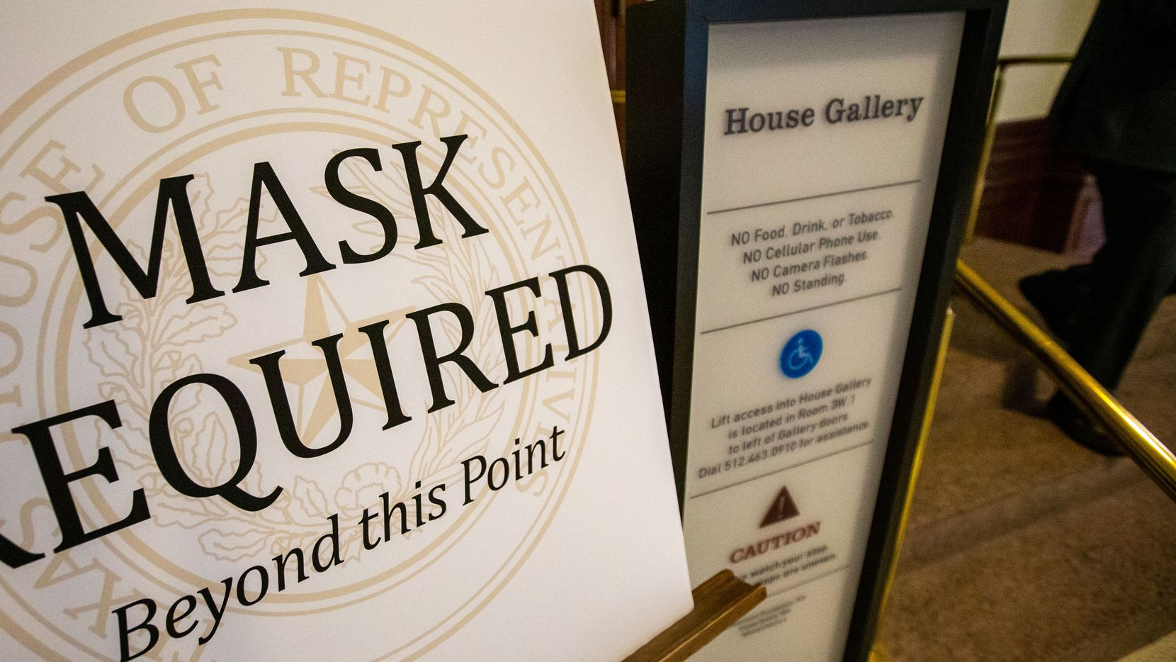 Signage enforcing mask usage outside the House Gallery of the Texas State Capitol in Austin, Texas on Wednesday, Jan. 6, 2021. (Lynda M. González/The Dallas Morning News)
