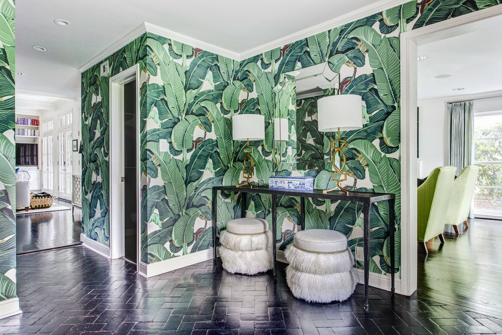 Go for Hollywood glam with Martinique's jungle palm wallpaper that the Beverly Hills Hotel made famous. Emily Johnston Larkin of EJ Interiors recently used the iconic print in a Dallas entryway.
